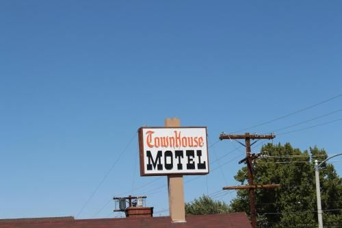 Townhouse Motel, Inyo