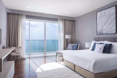 White Sand Beachfront Pattaya, Sattahip