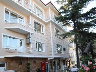 Lalehan Hotel, Merkez