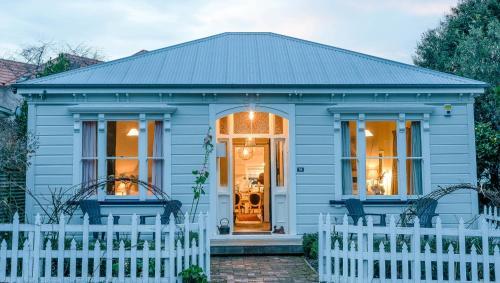 The Villa Akaroa - Akaroa Holiday Home, Christchurch