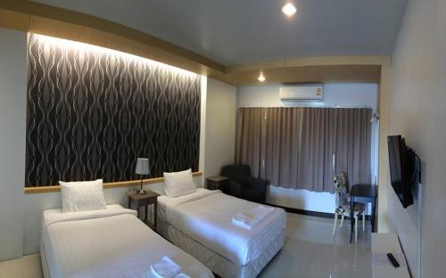 โรงแรมไชยแสง อินเดอะปาร์ค, In Buri