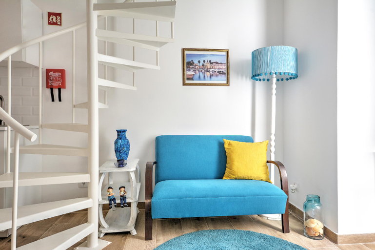 Blue Barqueta Studio, Faro