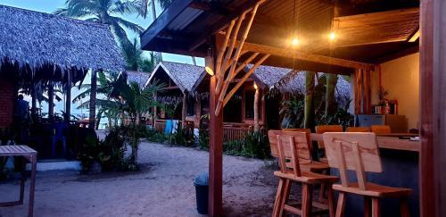 Zhaya's Beach & Cottages, El Nido
