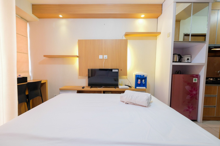 Minimalist Studio Room with Affordable Price at Tifolia Apartment By Travelio, East Jakarta