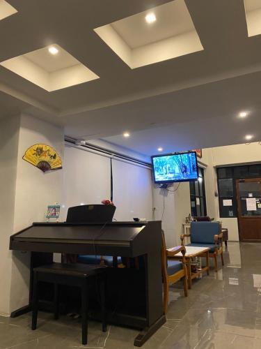 43 Home, Bangkok Noi