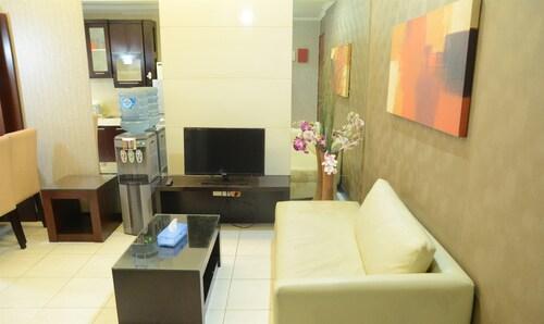 Apartment Sudirman Park by Hoostia, Central Jakarta