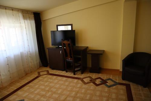 Hotel Perla, Chiscani