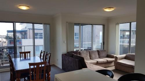 Modern Apartment Near Olympic Park, Strathfield