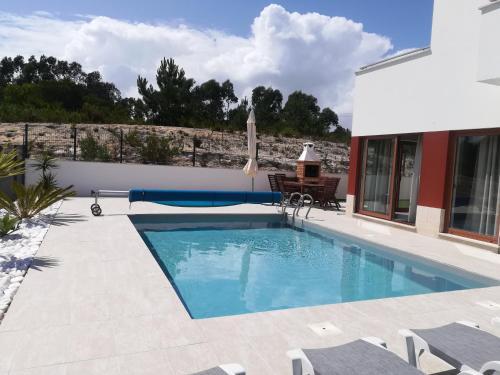 Delagoa Relaxing Villa Pool & Beach, Óbidos