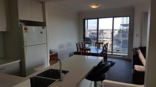Modern Apartment Near Olympic Park, Strathfield