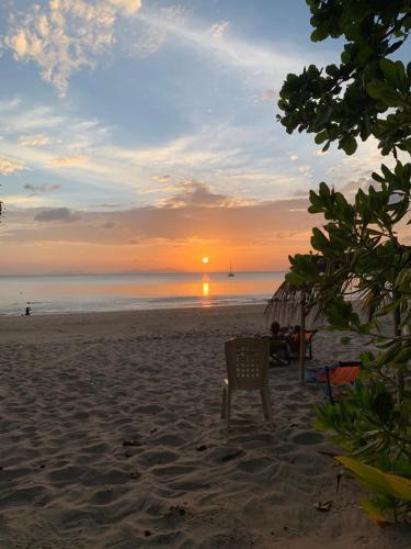 Sun Smile Beach Koh Jum, Nua Khlong