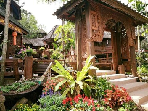 Huan Puangpimon-Poomsit เฮือนพวงพิมล-ภูมิสิทธิ์, Mueang Pan