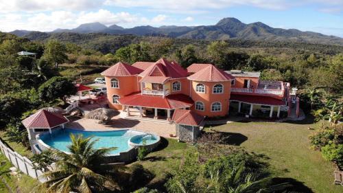 Eden Crest Villa,