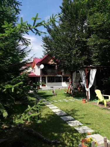 Vila Julia, Tulnici
