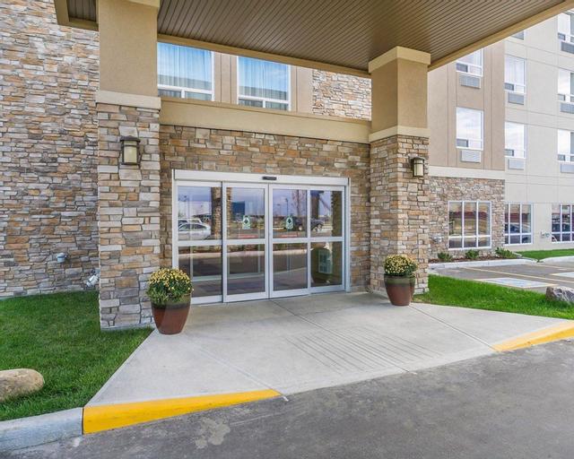 Comfort Inn & Suites Edmonton International Airpor, Division No. 11