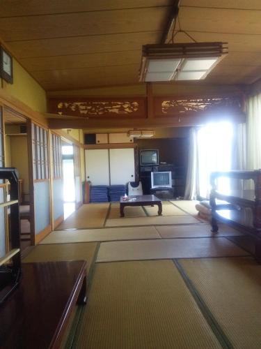 Minshuku Kamagari, Kure