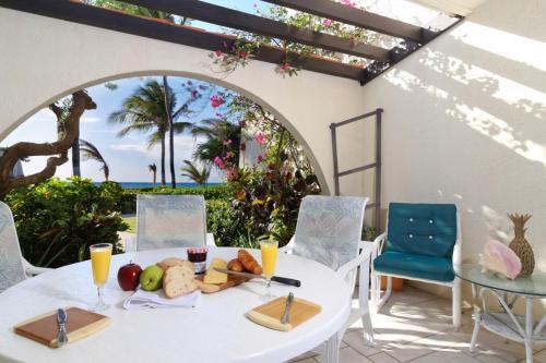 Villas Pappagallo by Cayman Villas,