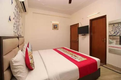Room Mantra, Gautam Buddha Nagar