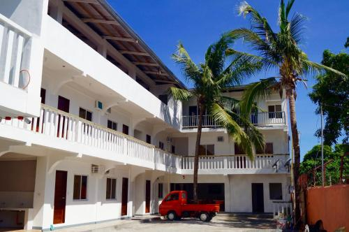 Hana Natsu Resorts Beach & Hotel, Morong