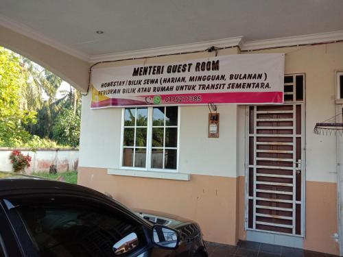Menteri Guest Room, Kampar