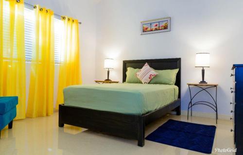 Caymanas Estate Neighbor,