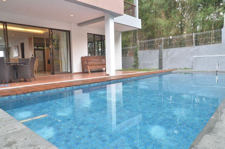 Cemara Villa 3BR with a private pool, Bandung