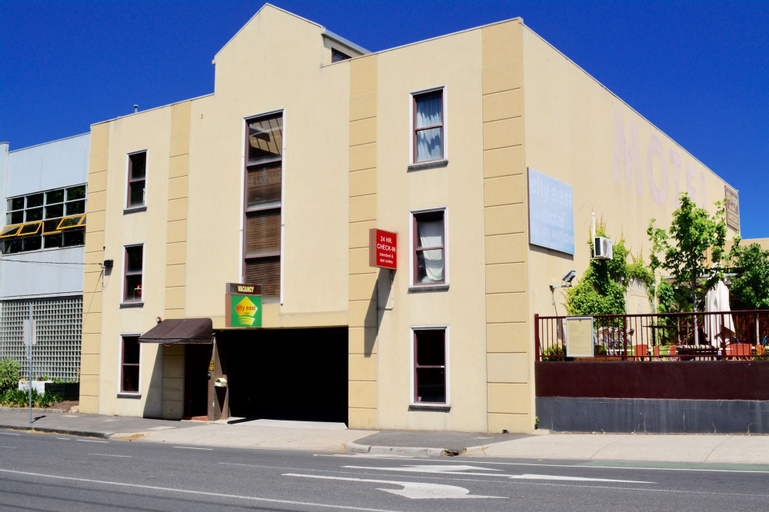 City East Motel, Yarra - North