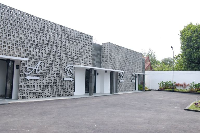 RedDoorz Plus near UNIMED Medan, Medan