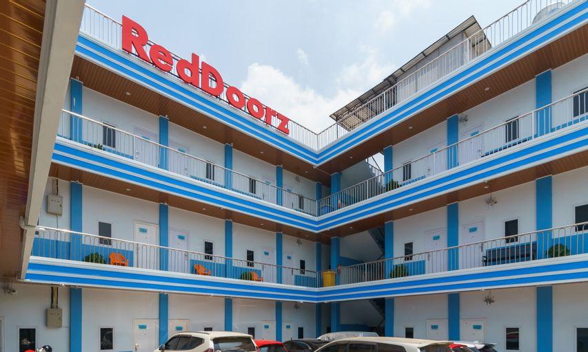 RedDoorz Plus near Palembang Icon Mall 2, Palembang