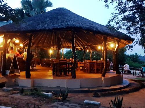 Red Chilli Rest Camp, Kibanda