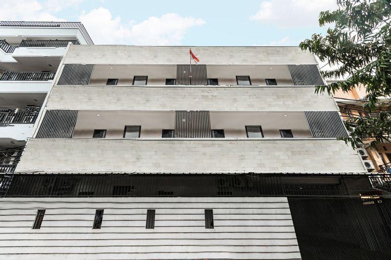OYO 1491 Sandang Residence Near RS Patria IKKT, West Jakarta