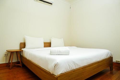 1BR Apartment at Gardenia Boulevard near Pejaten Village By Travelio, Jakarta Selatan