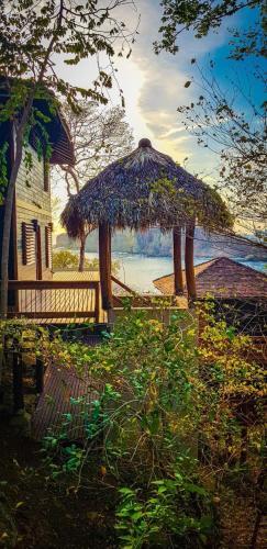 Aqua Nicaragua Ocean Front Resort, Tola