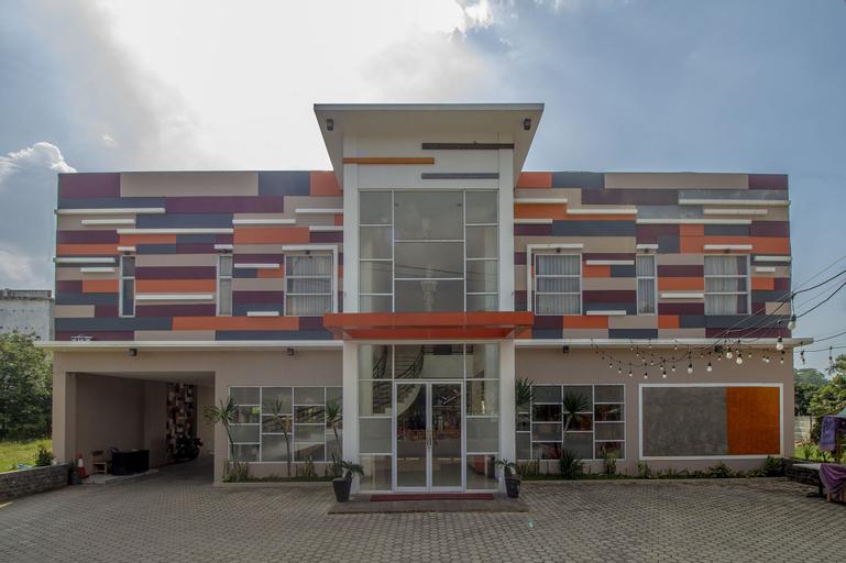 OYO 1017 Regency Hotel, Tanggamus