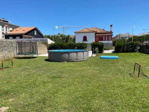 Beach House with Swimming Pool, Vila do Conde