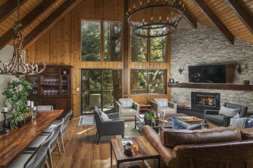 Lake Arrowhead Vacation Rental | Treetop Cabin, San Bernardino