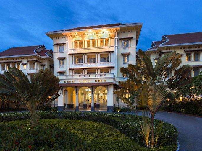 Raffles Hotel Le Royal, Ruessei Kaev