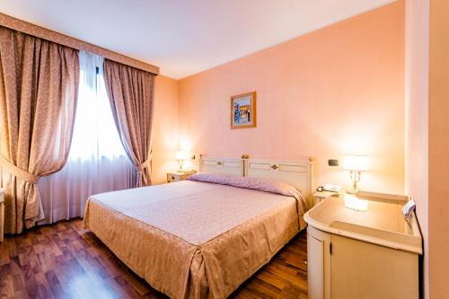 Lucrezia Borgia, Ferrara
