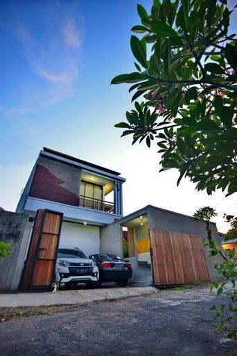 Krisandi House Jimbaran, Badung
