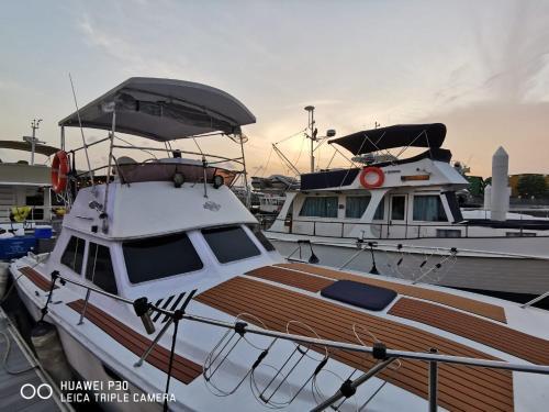 Sweet Elegant Boat Home @ Marina Waterfront, Punggol
