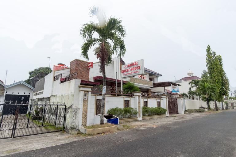 OYO 619 Naufal Guest House Syariah, Medan