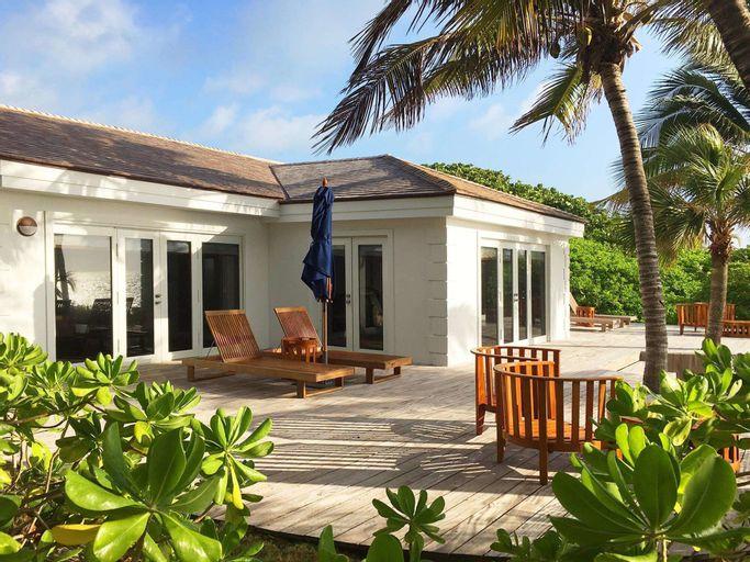 Pink Sands Resort,
