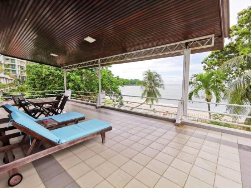 Beachfront Bangalow Private room, Pulau Penang