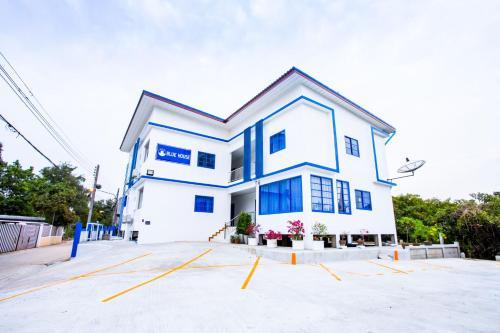 Blue House, Muang Ang Thong