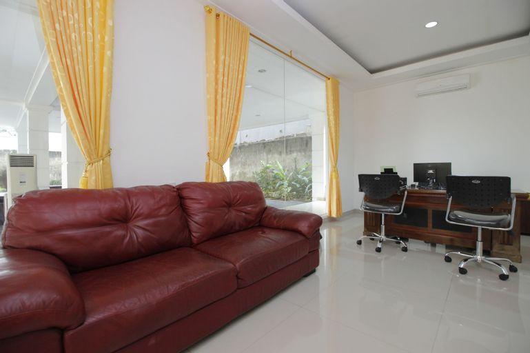 RedDoorz Premium @ Gandaria Jagakarsa, South Jakarta
