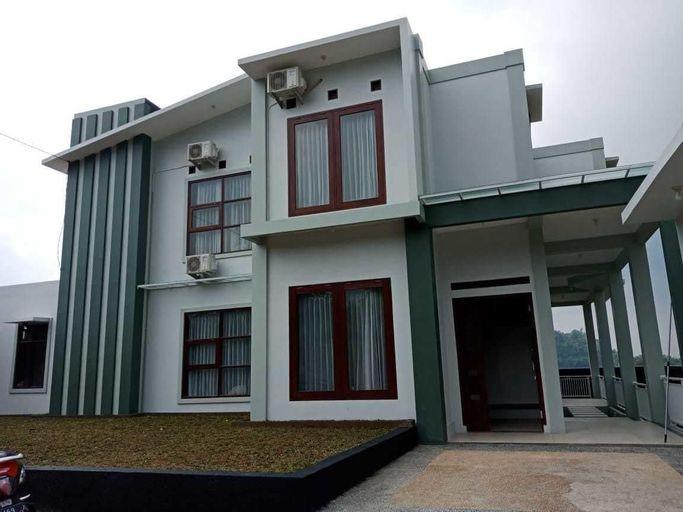 Villa Fahim 2 Puncak 4 Bedroom, Bogor