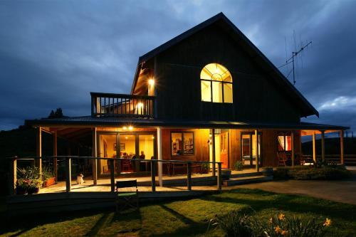 Abseil Inn, Waitomo