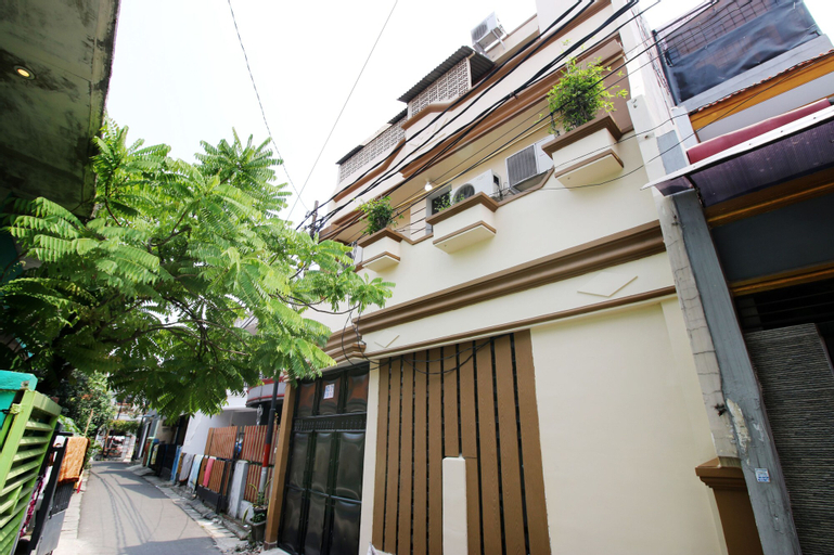 Kamar Keluarga Johar, Central Jakarta
