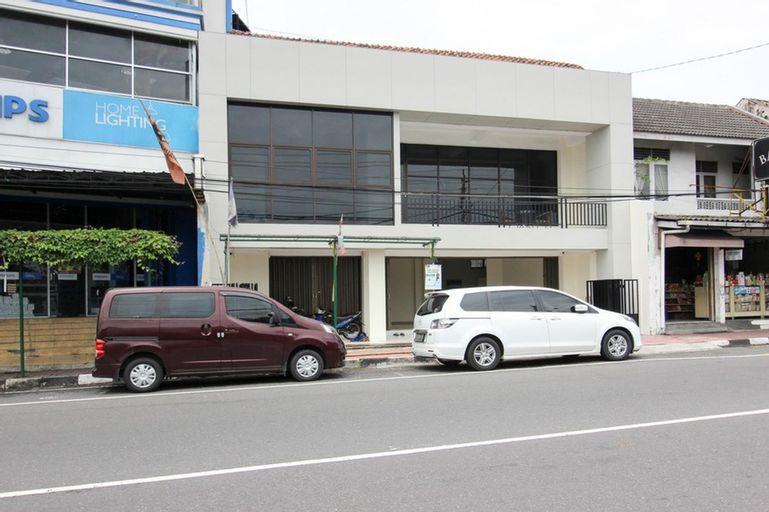 RedDoorz near Malioboro Mall 2, Yogyakarta