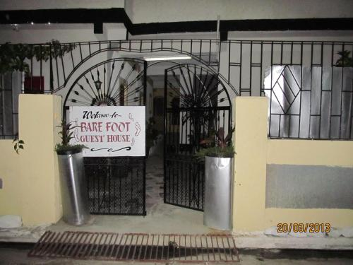 Barefoot Guest House,